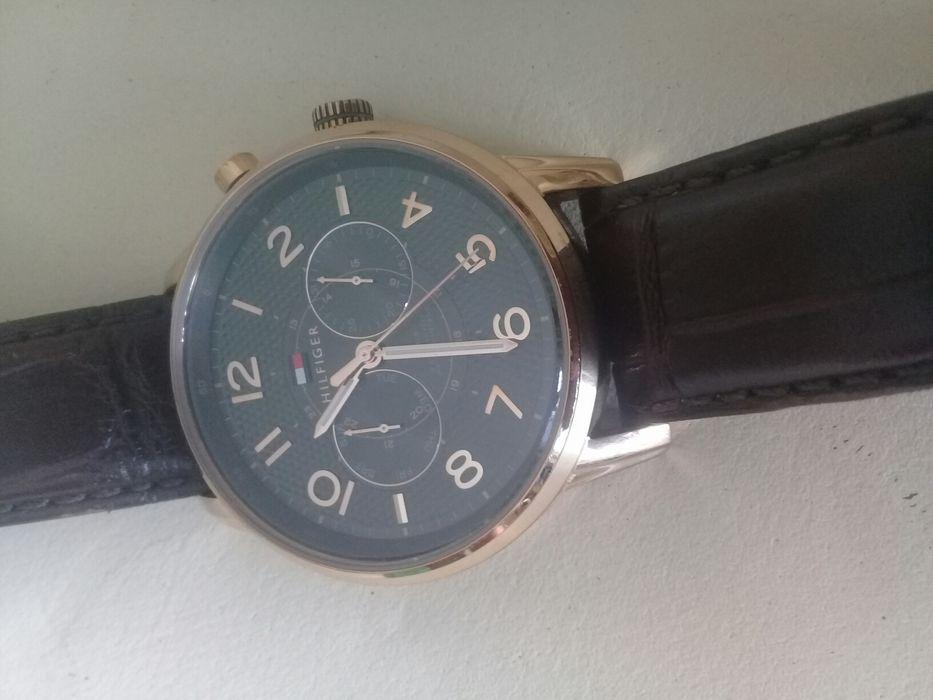 Vende-se relógio de MARCA TOMMY HILFIGER, Kz 70 mil