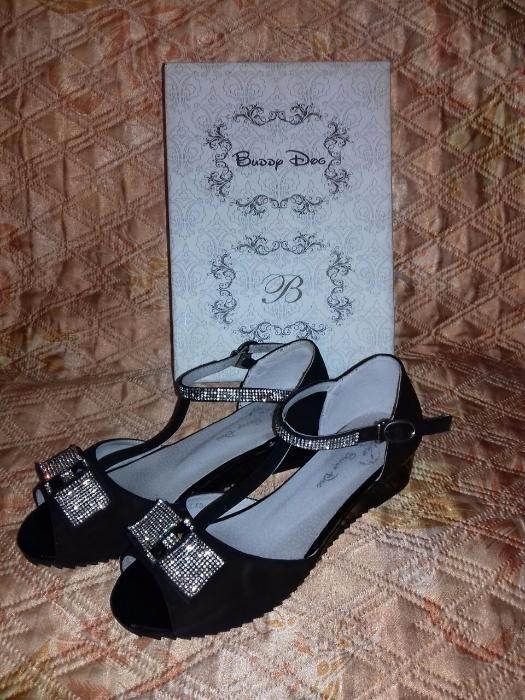 Босоножки для девочки черные замшевые со стразам, р-р 36, новые, прода