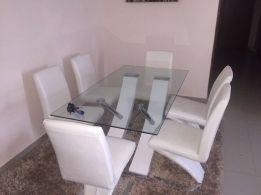 Mesa de Jantar de vidro com 6 cadeiras novo disponível
