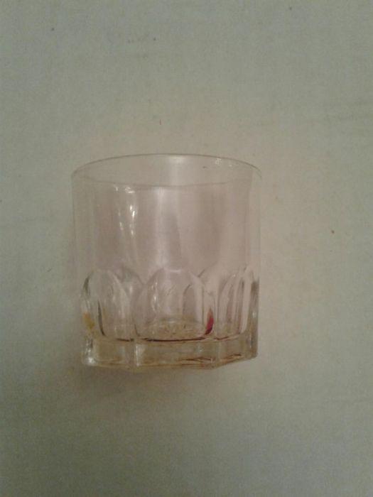 Продам стеклянные, маленькие стаканы за 100 тг в 6 штуках. 100×6=600 т