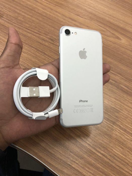 IPhone 7 branco 32GB novo com cabo original