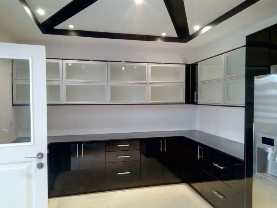 Arrenda se apartamento T3 de luxo no Condomínio novo próximo a Ponta V