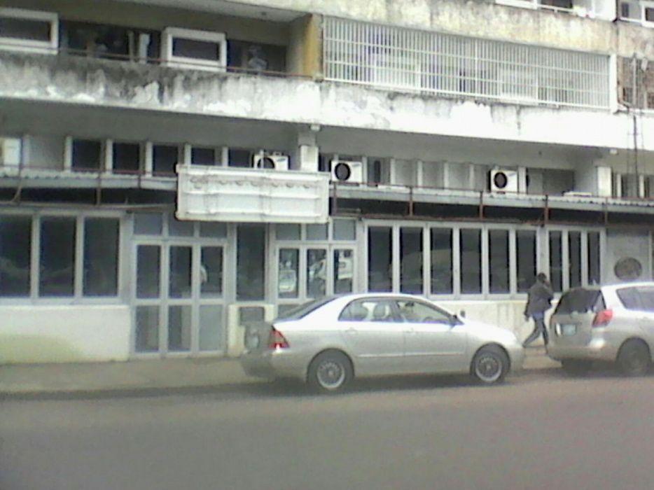 Arrenda-se Excelente Loja com cerca 300 m² 3WC Cozinha_Av Mao Tse Tung