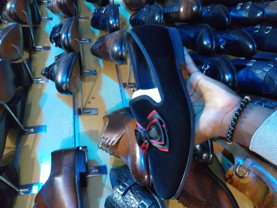 Sapato Camurça Preto.
