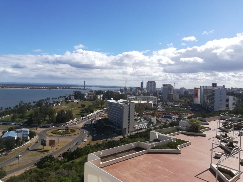 Vende se apartamento tipo 3 no condominio Panorama na Ponta Vermelha