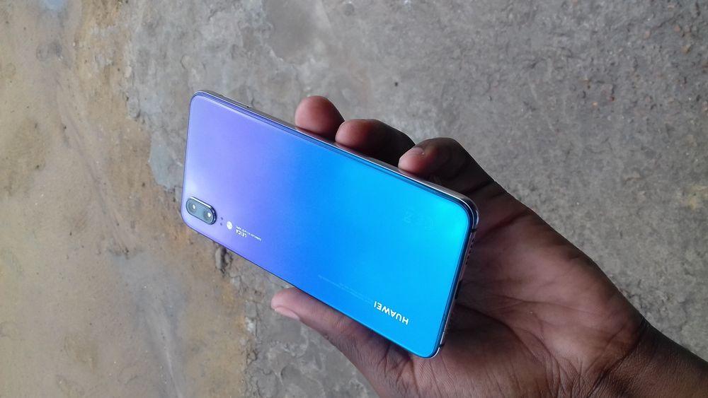 Huawei P20 128GB em perfeitas condições