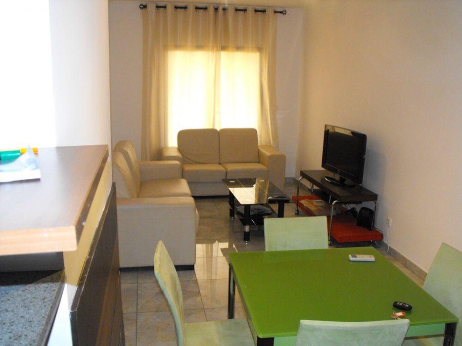 Vendemos Apartamento T3 Condomínio Veneza De Talatona