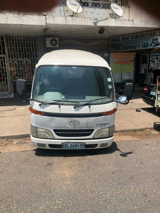 Toyota dyna mine bus