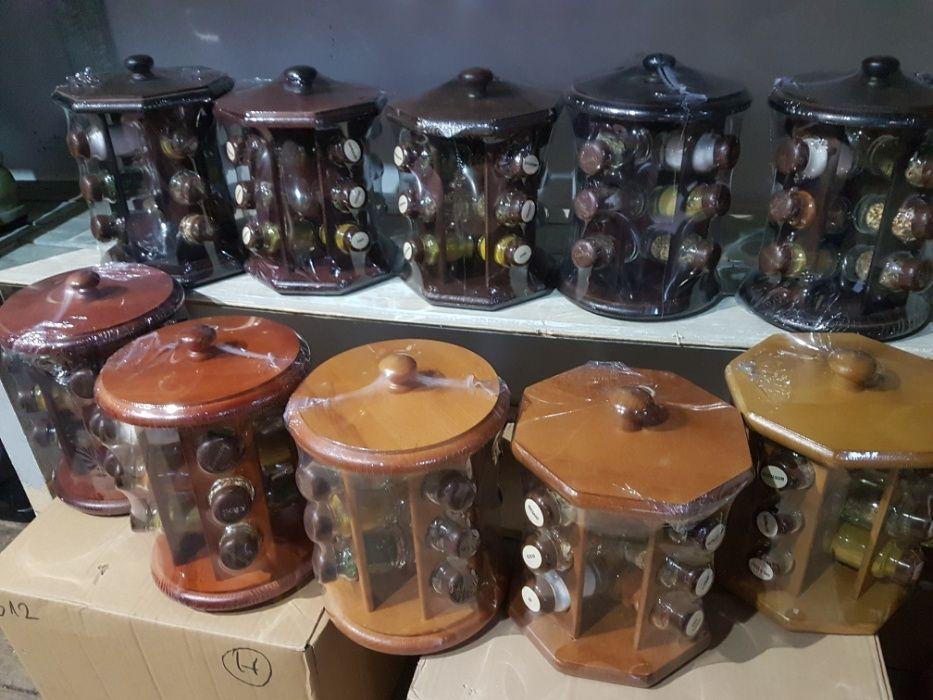 Suport condimente din lemn cu 12 recipiente sticla plina + cadou