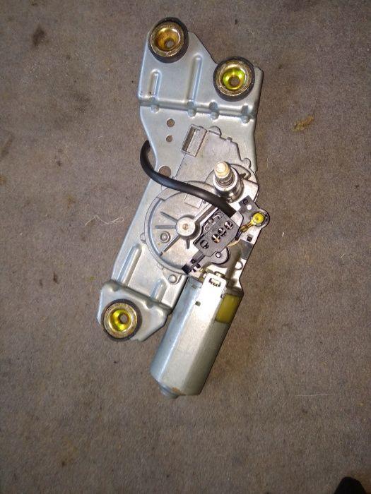 Моторче за задна чистачка за Форд Фокус 99/2004