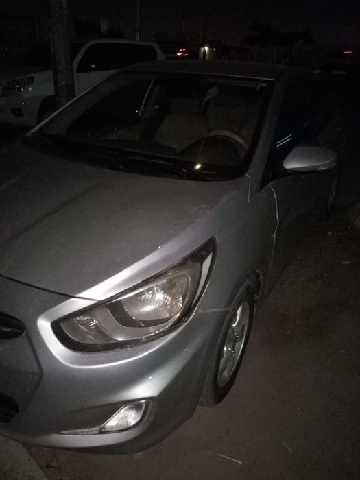 Vendo Este Hyundai ACCENT Balaso Motor Cequinho AC Gela Carro Limpo