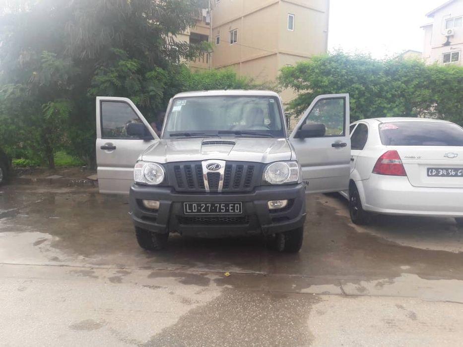 A venda Jeep Mahindra Scorpion 2012