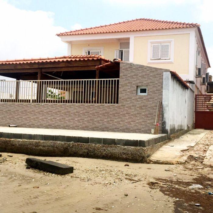 Vendemos Vivenda T5+1 em Benfica Ramiros com Vista Mar