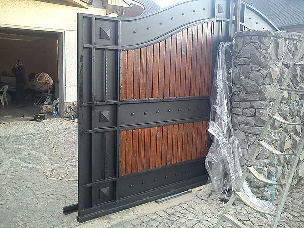 Ворота распашные и откатные. Изготовление более 200 моделей ворот