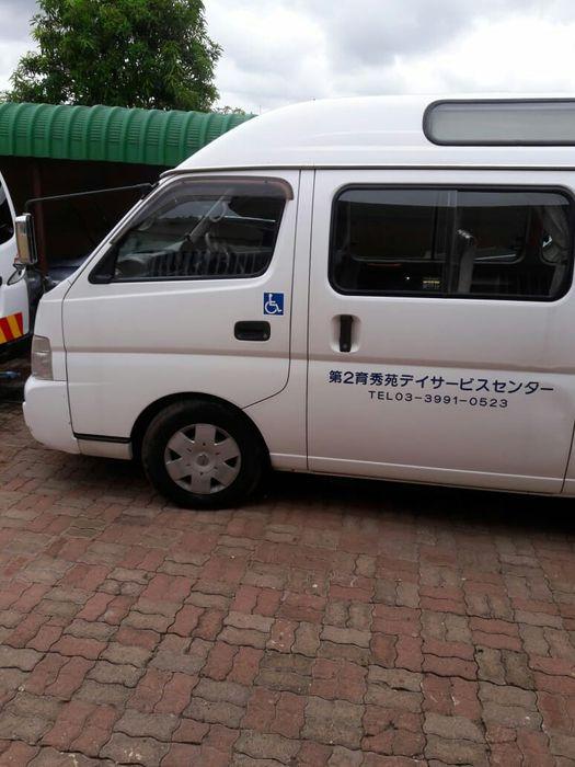 Nissan Mini-Bus Caravan super bom