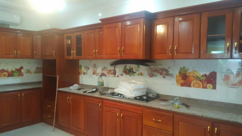 Cozinha, portas, guarda-fato, rouperiros, pergola de madeira