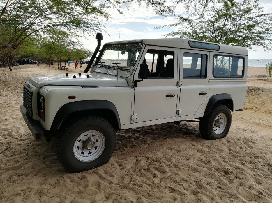 Land Rover Defender TDI 110, 2.500cc, 10 lugares