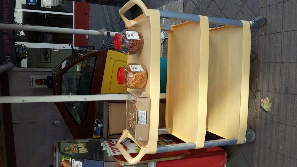 Сервитьорска количка на 3 нива чисто нова итал.