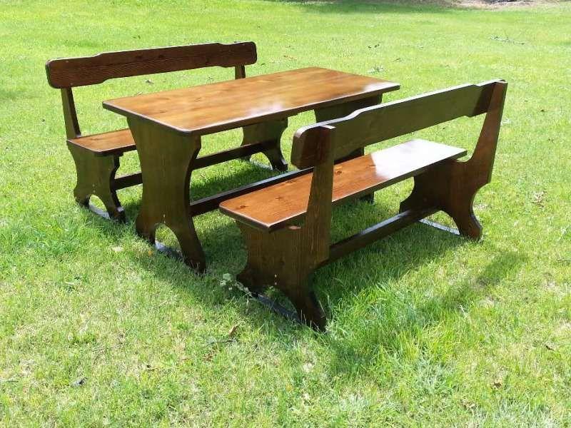 Дървени маси, пейки и столчета