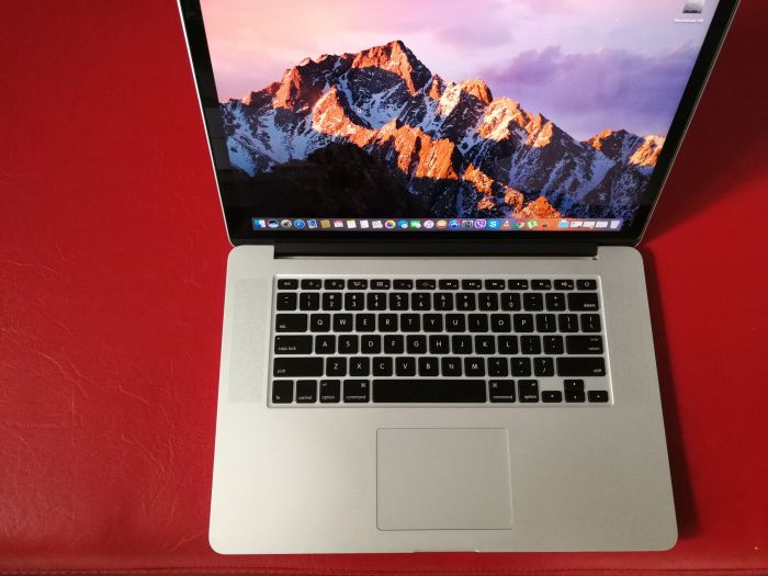 Macbook PRO 15'' retina i7 2.3GHz 256GB SSD mid 2012