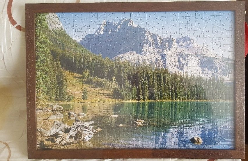 Продавам НОВ сглобен и рамкиран пъзел/картина -пейзаж.Идеалния ПОДАРЪК