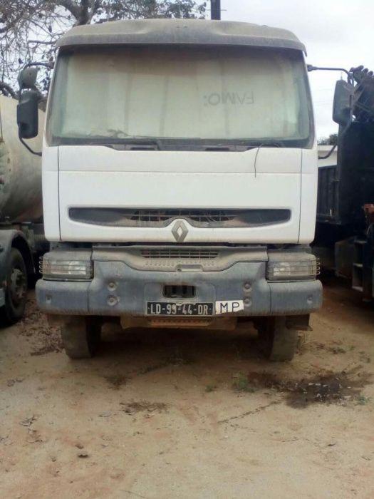 Camião Batuneira Renault