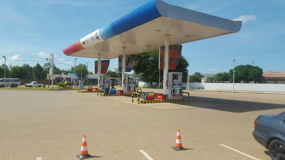 Vendo excelentes Bombas de Combustível em Maputo, com 50x70 metros