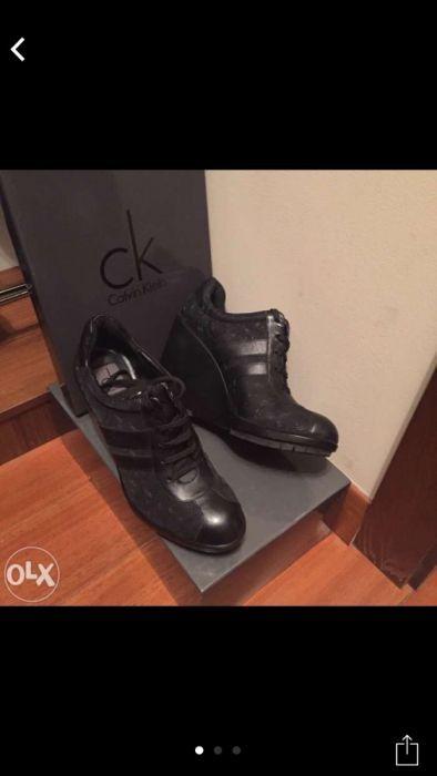 Ботинки на высокой танкетке Ck