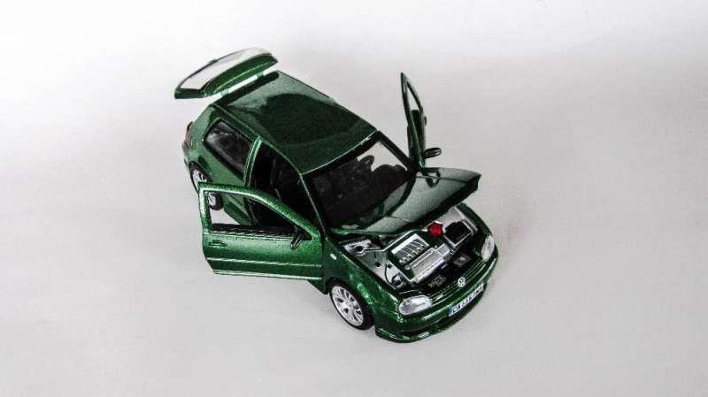 Умалени модели на VW Golf 4 в мащаб 1/24 по поръчка! гр. София - image 7