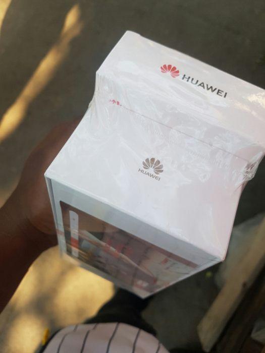 Huawei p20laite com auricular sem fio ha bom preço faço entrega ao cli