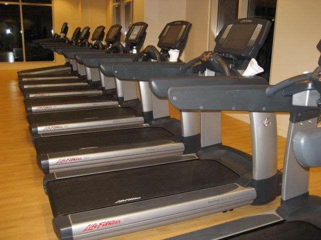 banda de alergare life fitness