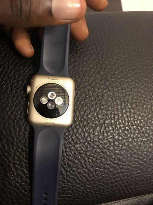 Vendo urgente Apple Watch série 2 usado Maianga - imagem 6