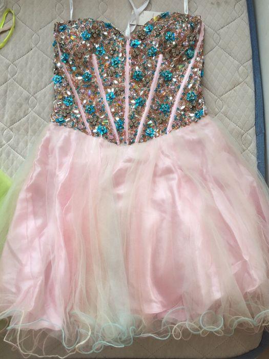 Vestido rosa com pedras