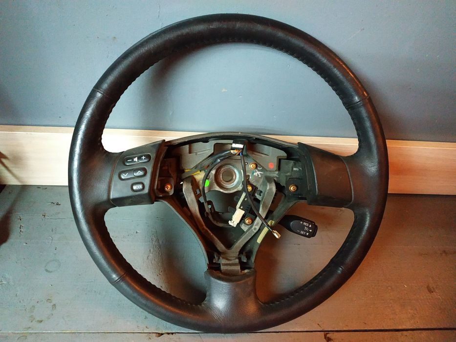 Мульти руль, кнопки с левой стороны камри 35