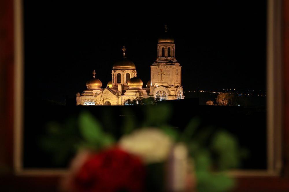 Апартамент до катедралата с паркомясто! гр. Варна - image 10