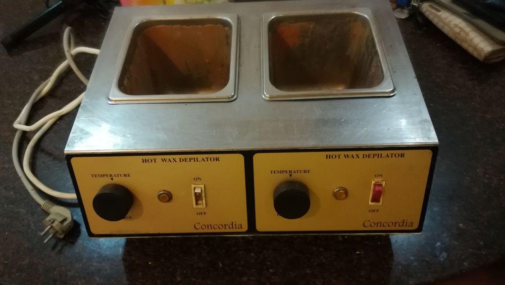 Maquina para depilação com 2 panelas para serra quente