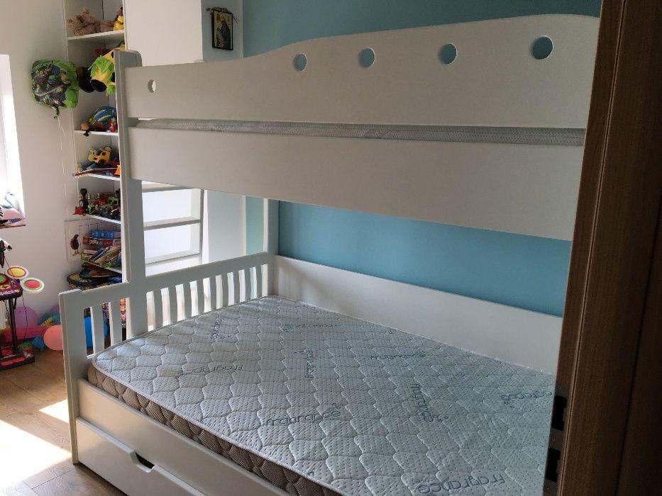 Producator mobila lemn masiv pat suspendat copii