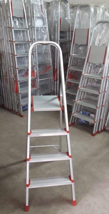 Escadotes de Alumínio alta qualidade uso diverso modelo KMH0104