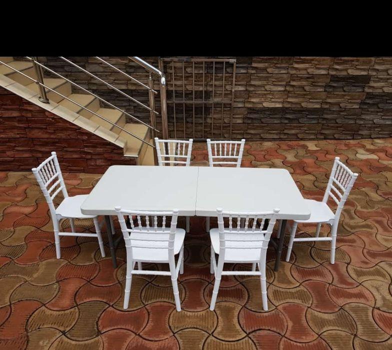 Vendo mesa rectangular plástica dobrável