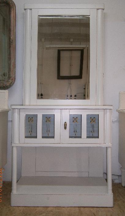Toaleta veche din lemn cu oglinda de cristal, alba (Mobila/Comoda)