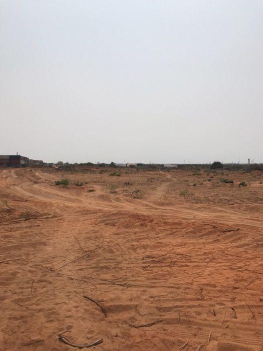 Vende-se 2 hectares na centralidade do kilamba