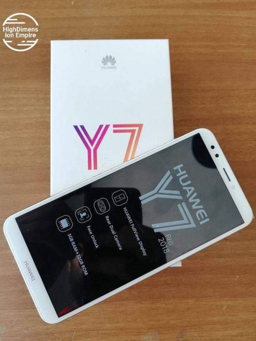 Huawei Y7 Prime 2018/novos na caixa.