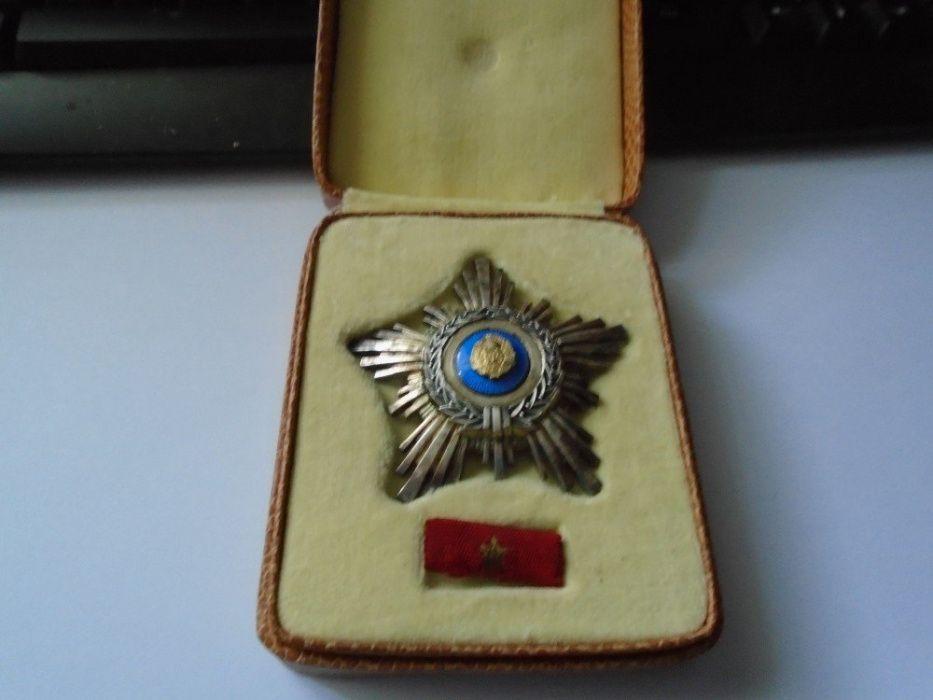 Ordinul Steaua RSR cls IV , argint , cutie, bareta Ploiesti - imagine 2