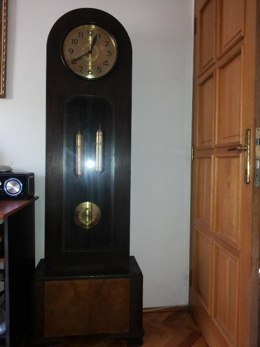 Pendula,ceas pendul de podea,vechi ,mecanic german,cu doua greutati