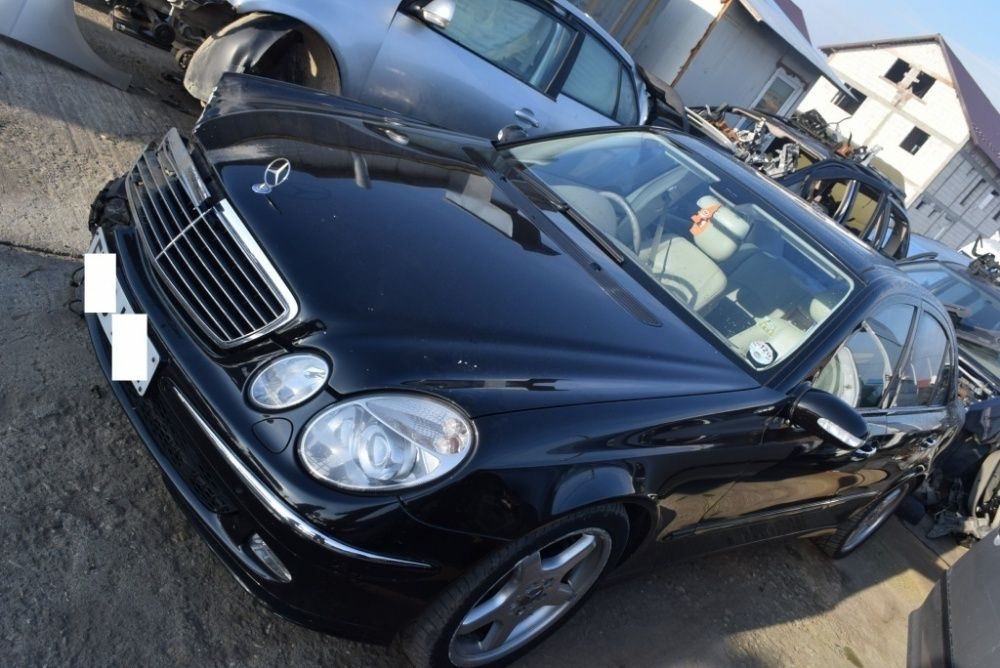 Dezmembrez Mercedes E-CLASS W211 2005 320 CDI