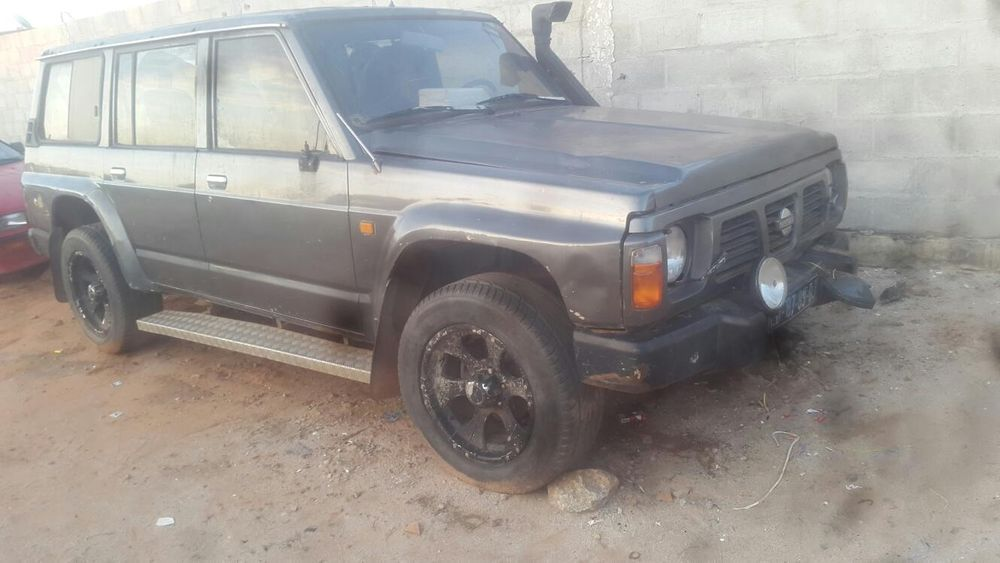 Vendo Este Nissan Patrol Familiar Antigo Modelo