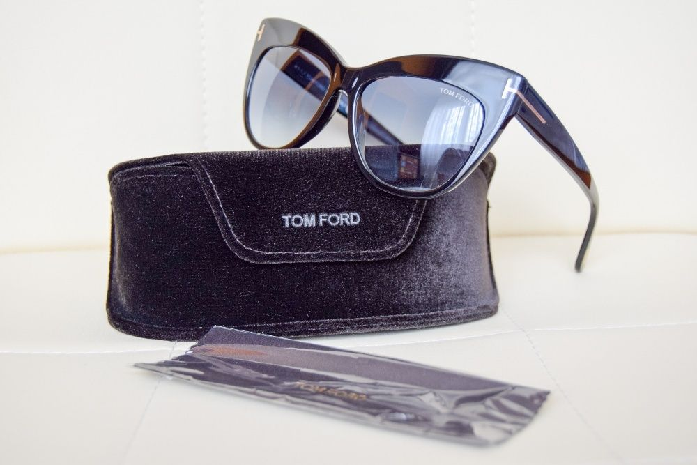 Ohelari de soare damă Tom Ford, model Nika FT0523 01W