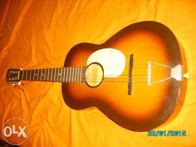 vand chitara Reghin veche in stare foarte buna