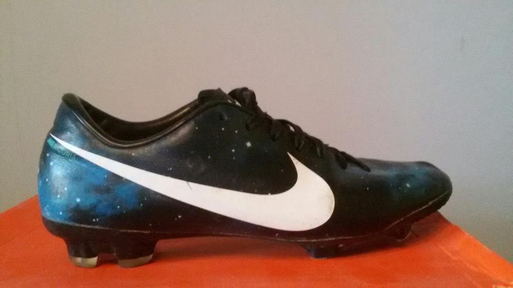 Футболни обувки!! Nike Mercurial Victory IV CR FG