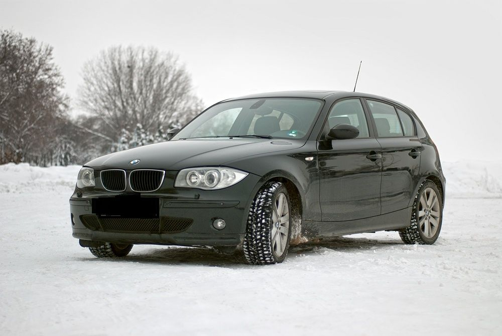 На части BMW 118 E87